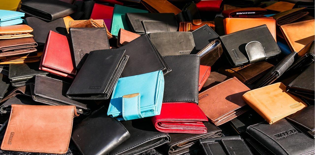 Wybór skórzanego portfela – na co zwrócić uwagę?