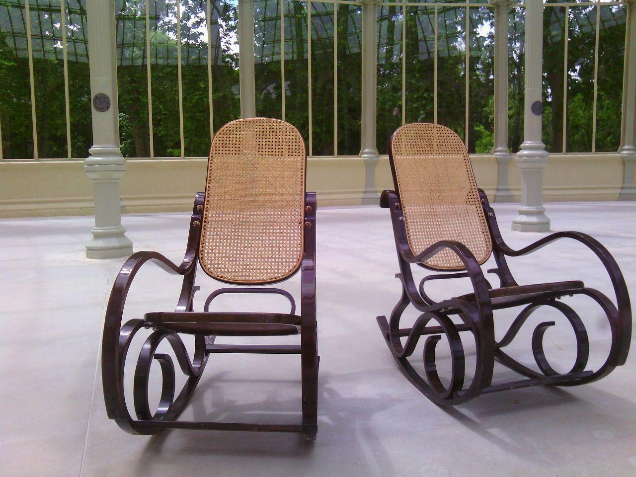 Fotel bujany – modny gadżet czy relikt przeszłości?