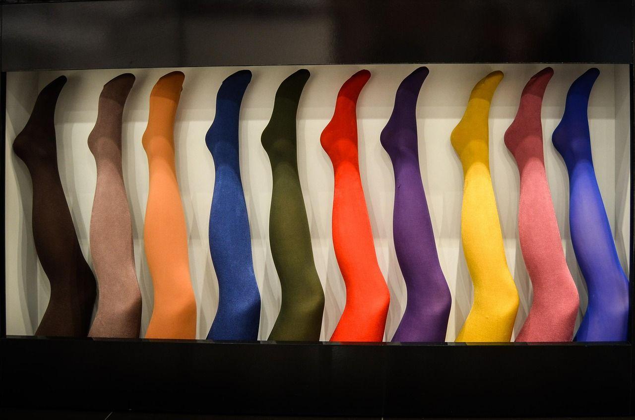 Jak dobrać kolor rajstop do okazji?