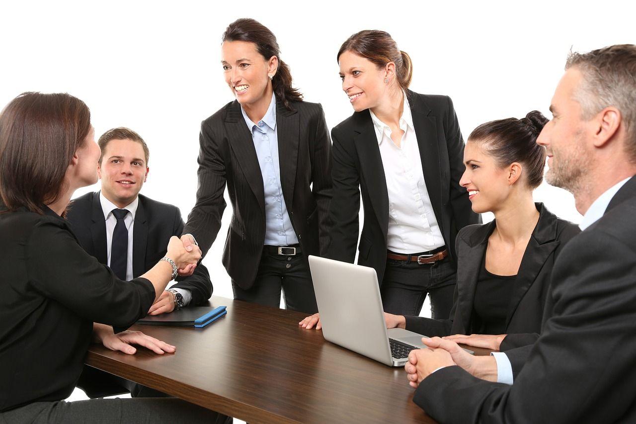 Dlaczego firmy powinny współpracować z prawnikami?
