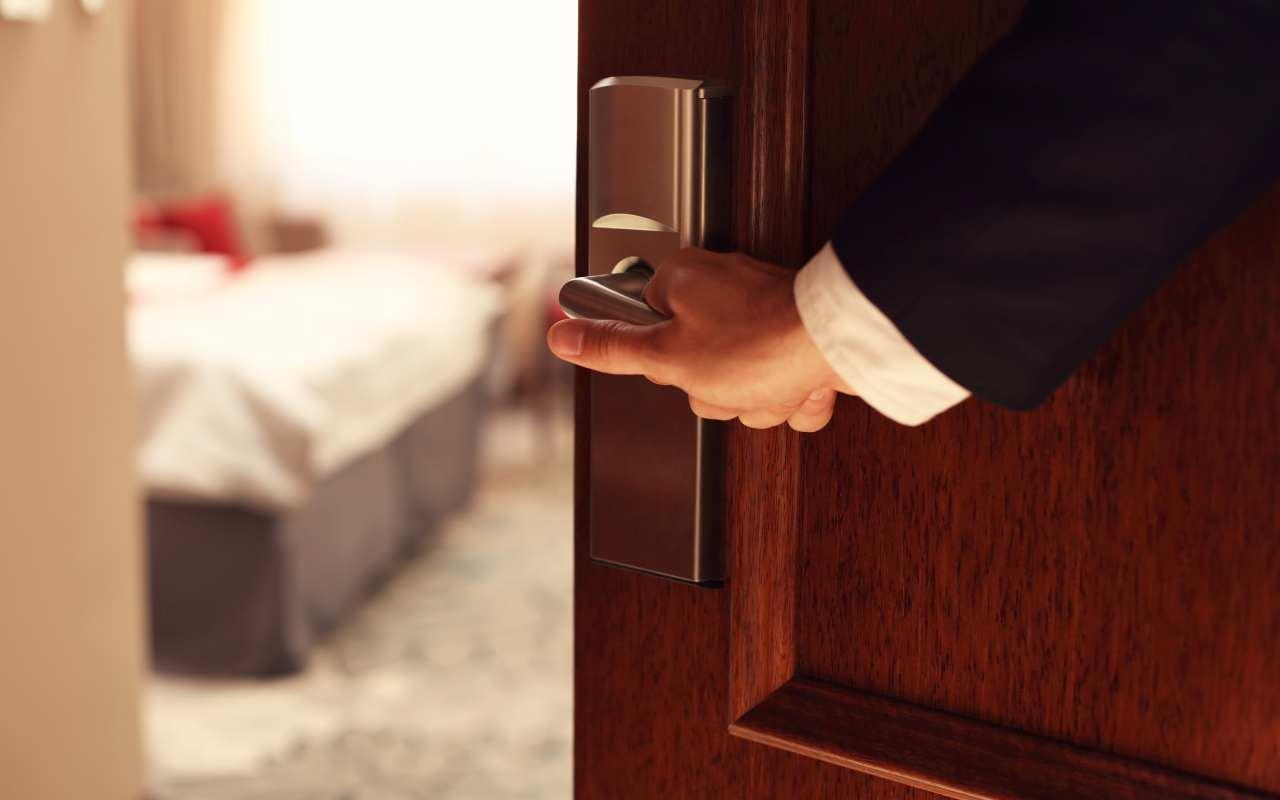 W co wyposażyć hotelowy apartament?