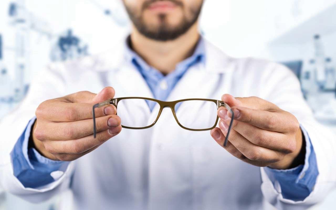 Czy grubość oprawki okularów ma znaczenie?
