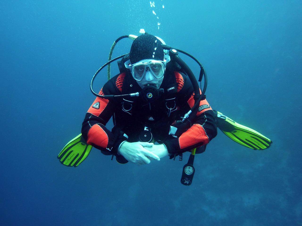 Zwiedź Cypr – ale pod wodą! Dlaczego warto wybrać się na wakacje z nurkowaniem?