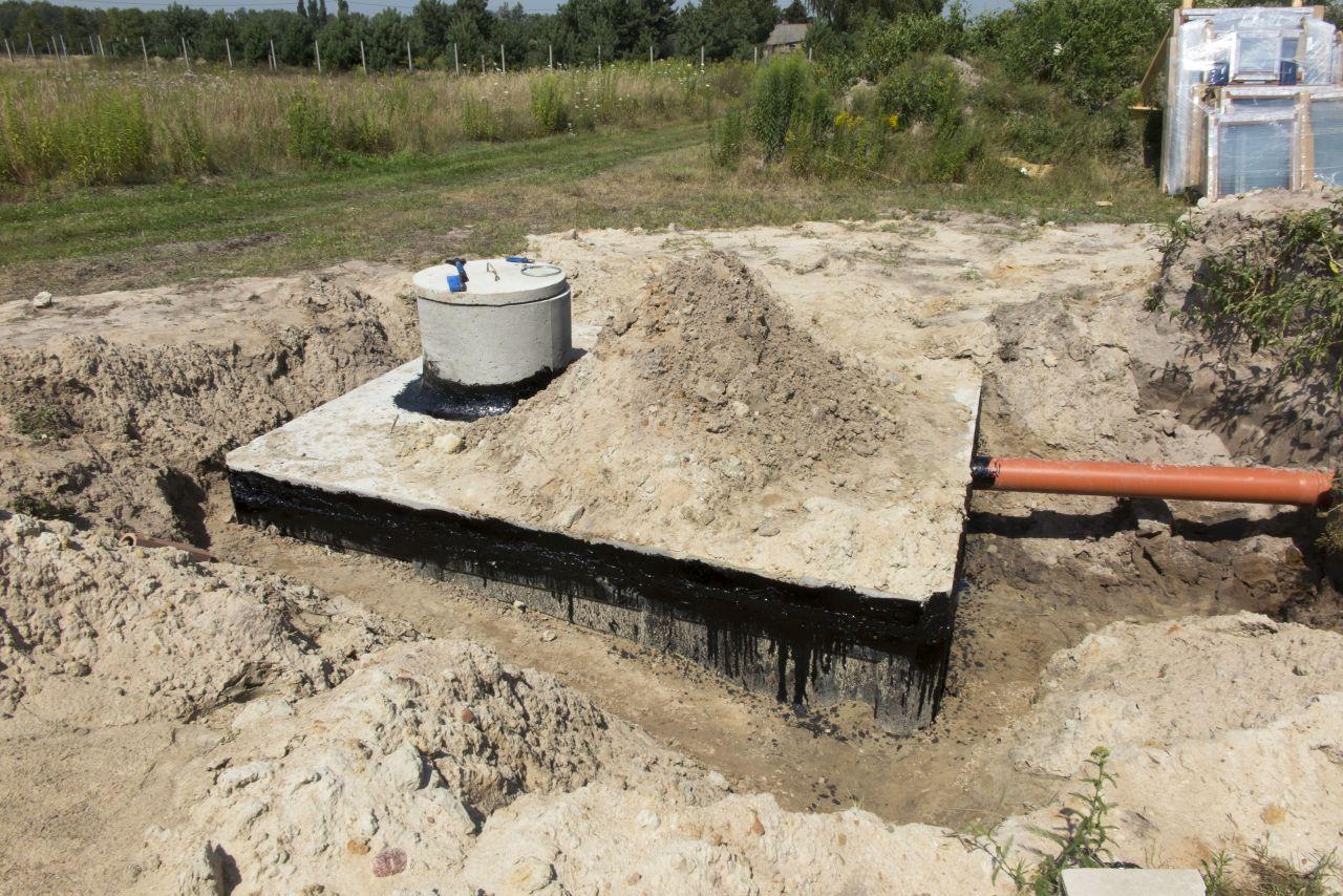 Instalacja przydomowej oczyszczalni ścieków – spojrzenie budowlańca