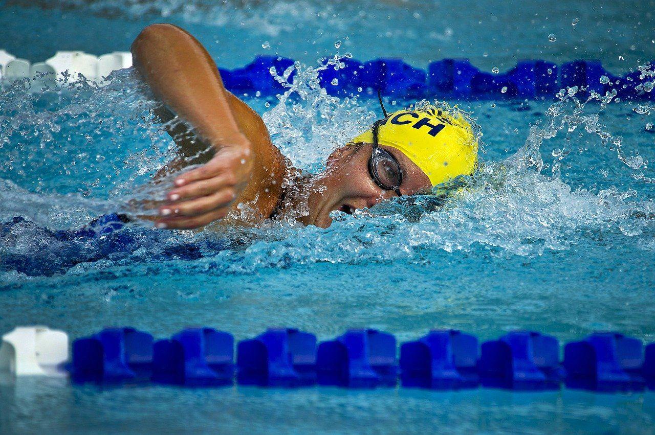 Najczęstsze urazy podczas pływania wyczynowego