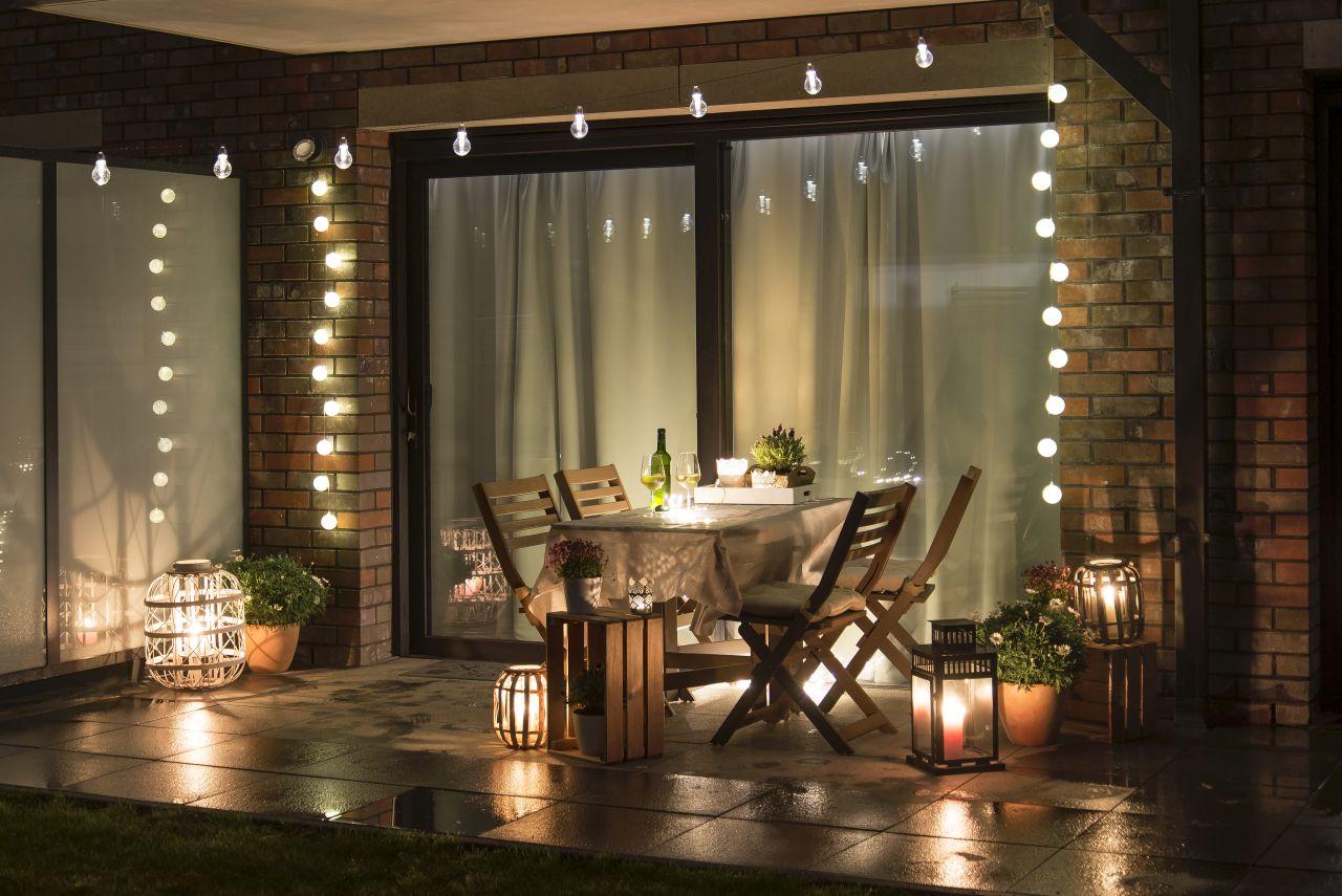 Jak udekorować dom przy pomocy świecy i podgrzewaczy?
