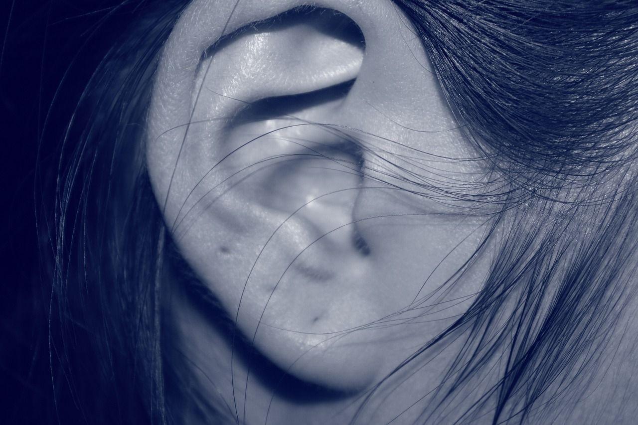 Przyczyny szumu w uszach