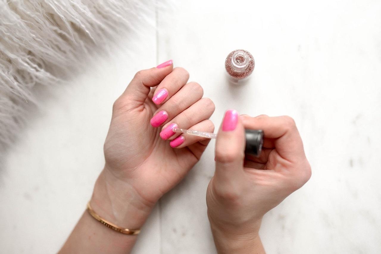 Jak przygotować paznokcie pod manicure?