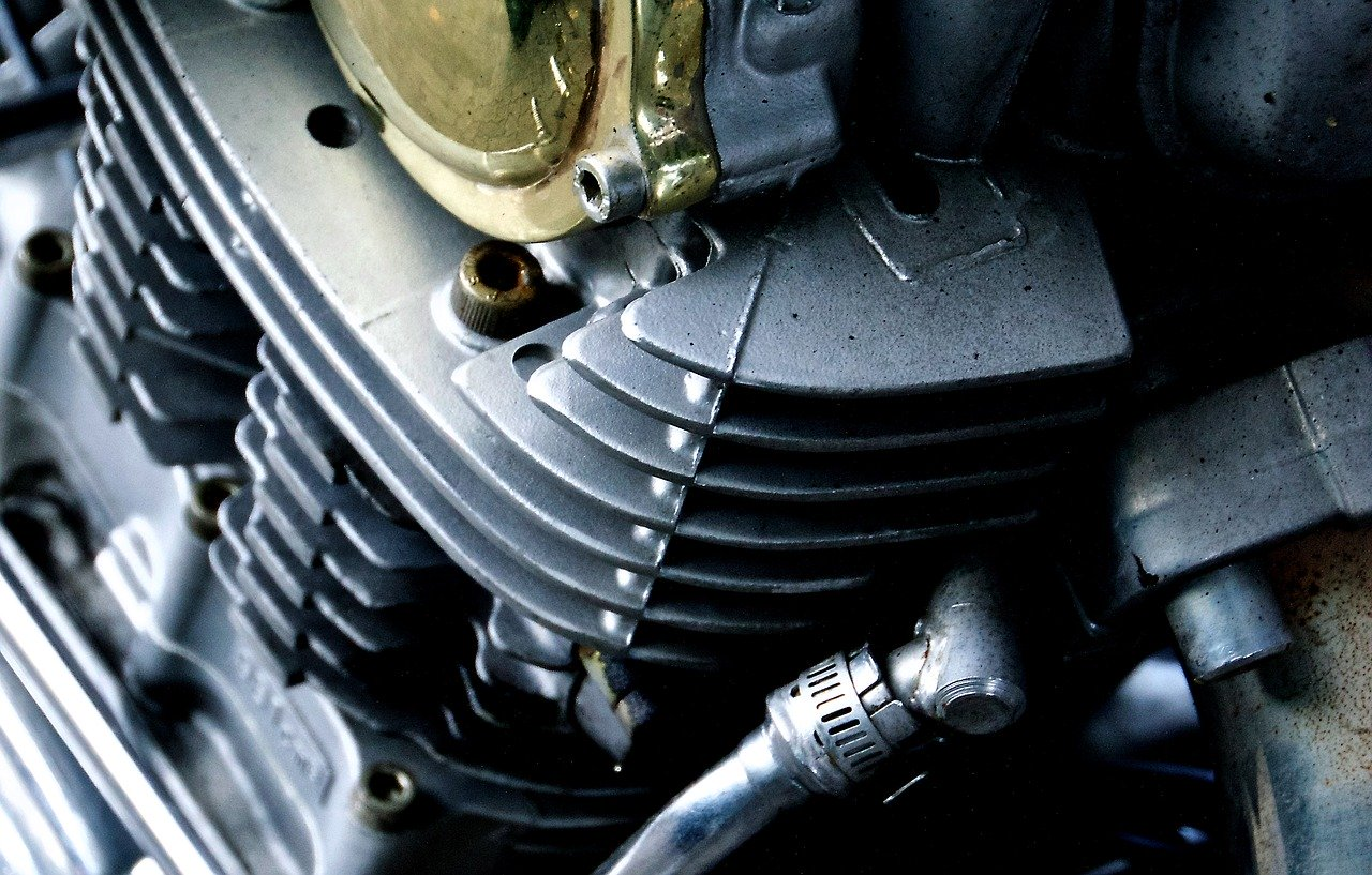 Do czego służy alternator w motoryzacji?