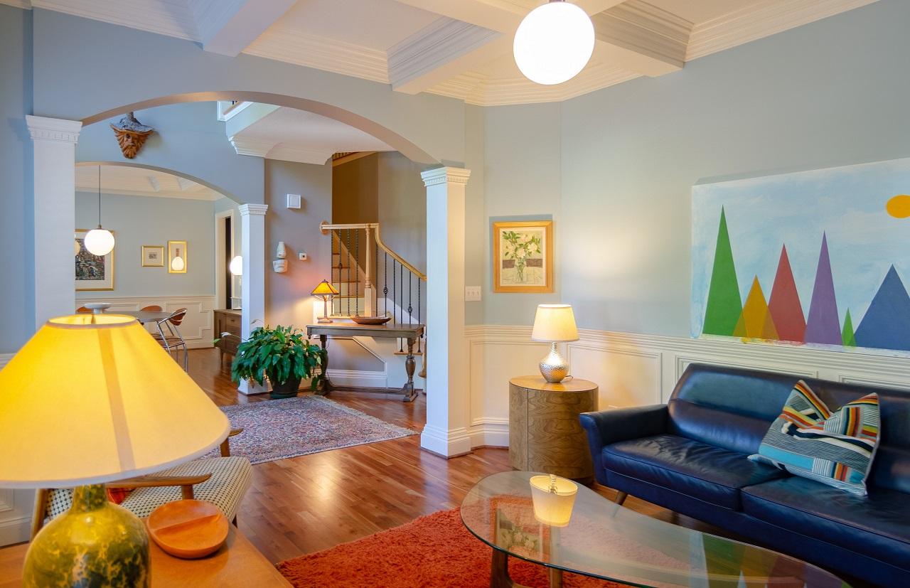 Praktyczne wielofunkcyjne meble do domu, które można zastosować w małym mieszkaniu